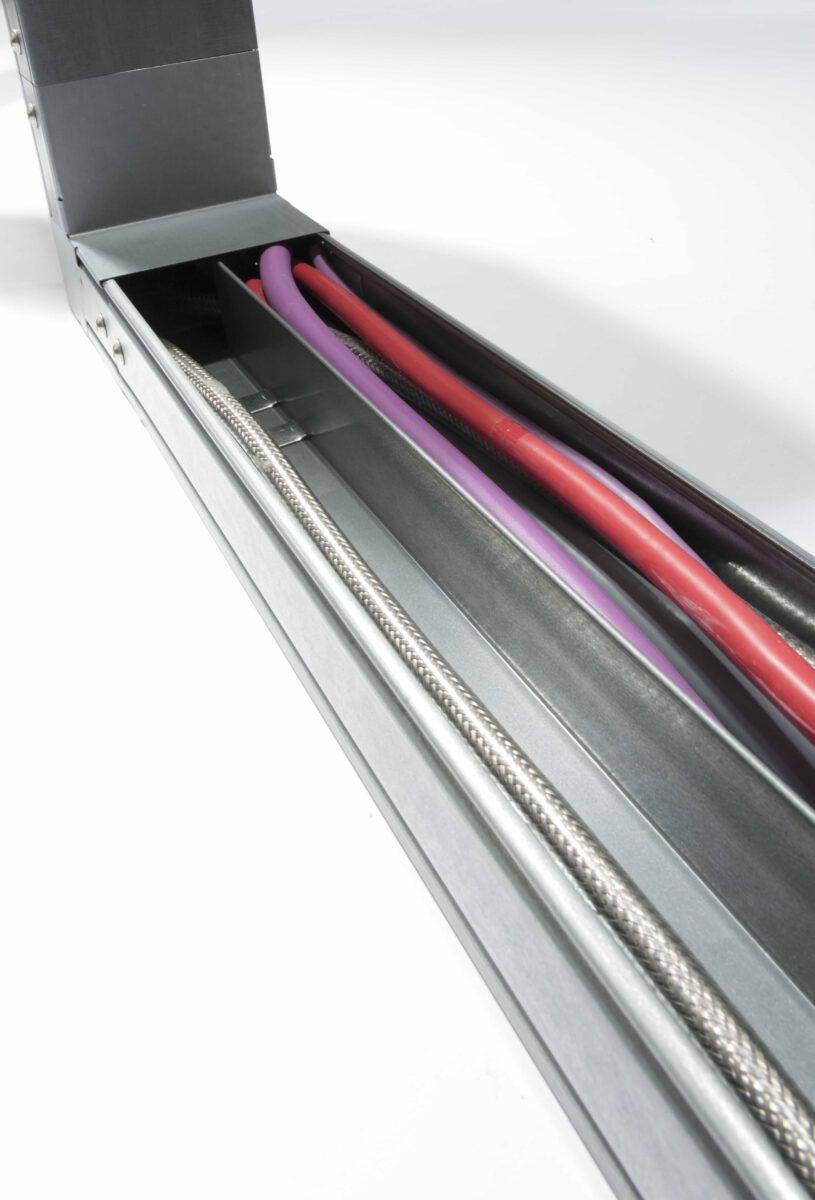 PIK-kabelkanalen zijn over de hele lengte te openen